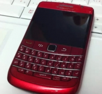 New-BlackBerry-Bold-9780-red
